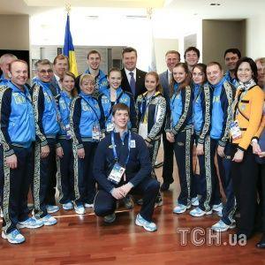 Янукович побажав олімпійцям піднятися на омріяні вершини в Сочі