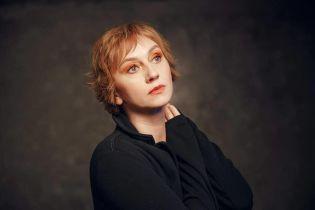 """Возмущенная известная актриса пожаловалась на """"Укрзализныцю"""": """"Мы для вас люди, или кто"""""""