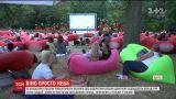В Одессе каждый вечер проводят бесплатные показы романтических фильмов под открытым небом