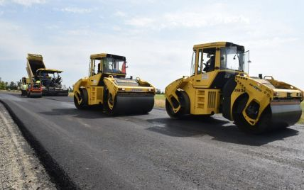 Платні дороги в Україні: уряд затвердив перелік трас і майбутні ціни