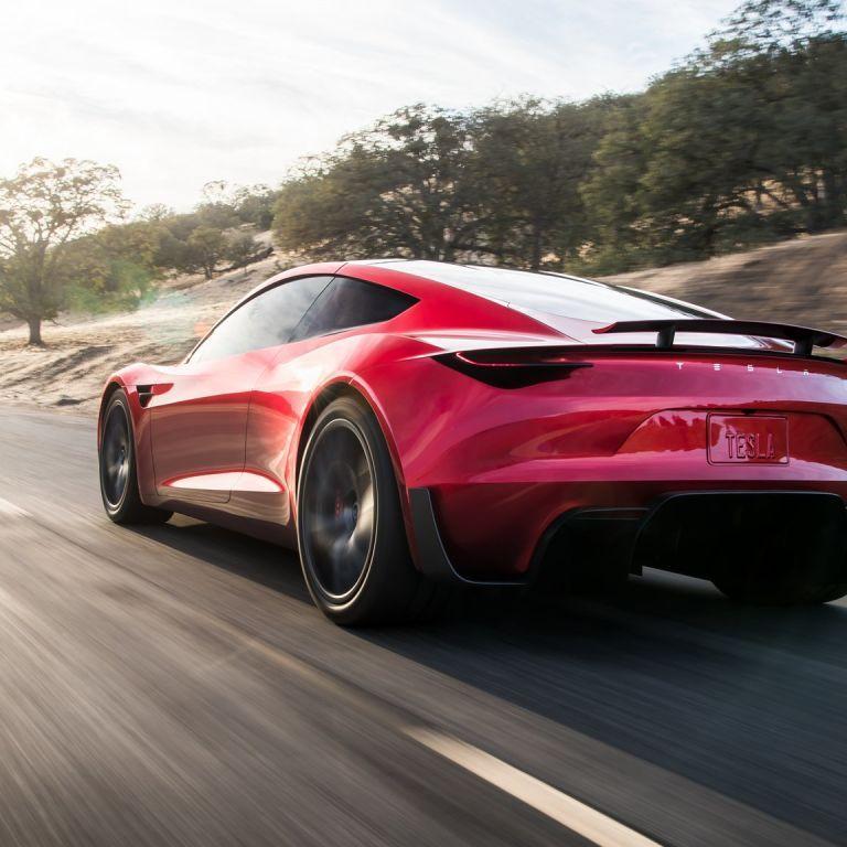 """Илон Маск """"прорекламировал"""" сумасшедший двигатель нового суперкара Tesla Roadster"""