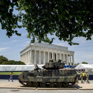 Трамп вирішив влаштувати військовий парад на День незалежності США. У країні виступили проти цього рішення