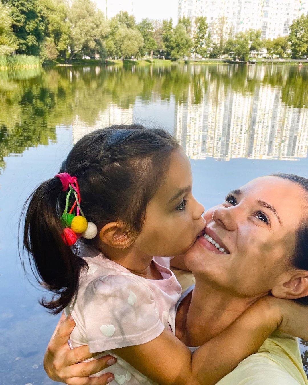 Галина Безрук з донькою / © instagram.com/galina_bezruk