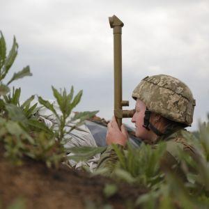 """Протягом минулої доби бойовики 11 разів порушили """"тишу"""" на Донбасі"""