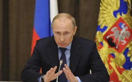 Путин приказал усилить охрану границы России с Украиной