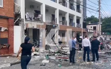 В российском Геленджике в отеле произошел мощный взрыв: есть погибшие и пострадавшие
