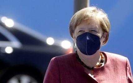 Меркель запросила Зеленського до Берліна, щоб обговорити ситуацію на Донбасі