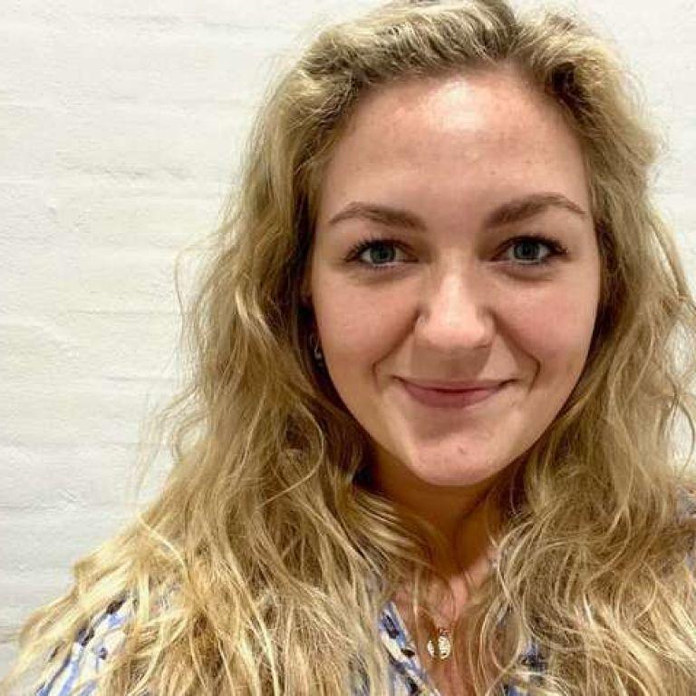 Забула вимкнути диктофон: данська журналістка зайнялася сексом під час інтерв'ю