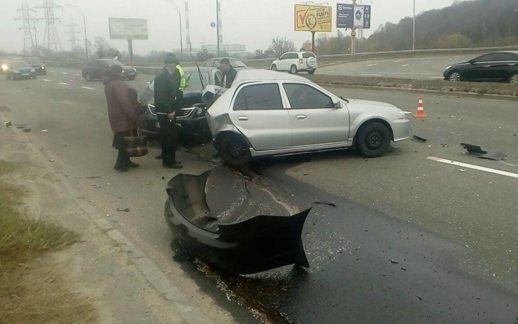 На одной из киевских улиц произошло второе жуткое ДТП за неделю / © Facebook/Киев автомобильный