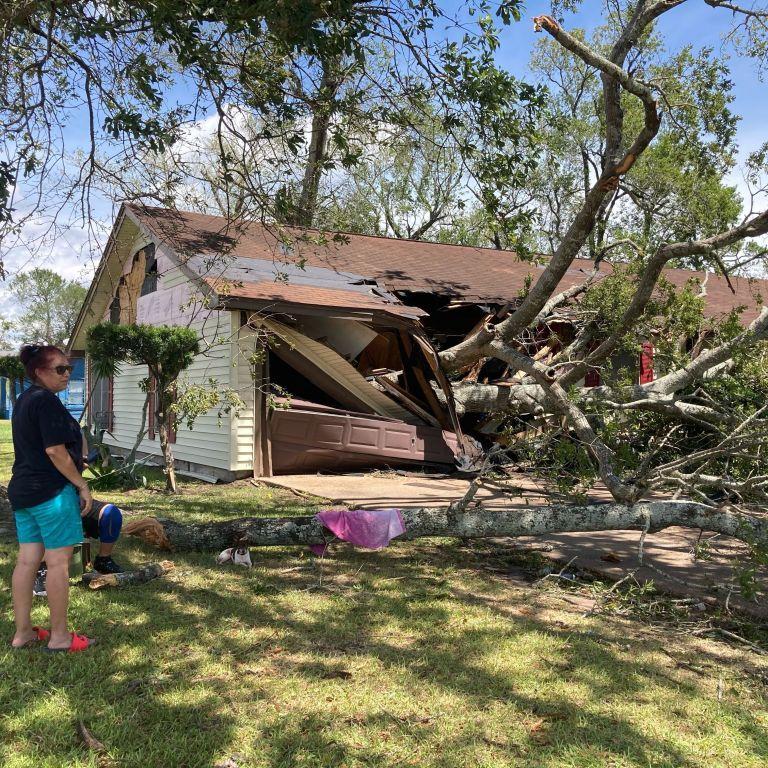 Жертвами урагану Лаура стали щонайменше шестеро американців