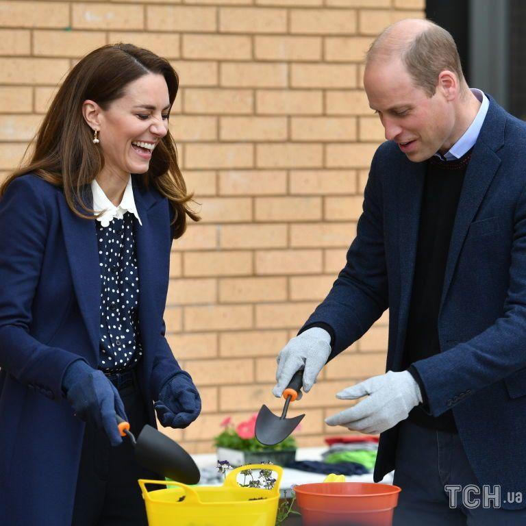 Выбрали похожие луки: герцог и герцогиня Кембриджские посетили благотворительные организации