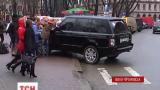 В Івано-Франківську боролися з водіями, які паркуються у заборонених місцях