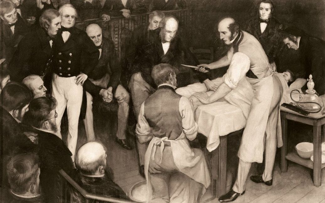 На картине изображена одна из первых операций с использованием анестезии, проведенная в Британии шотландским хирургом Робертом Листоном. / © thamesandhudson.com