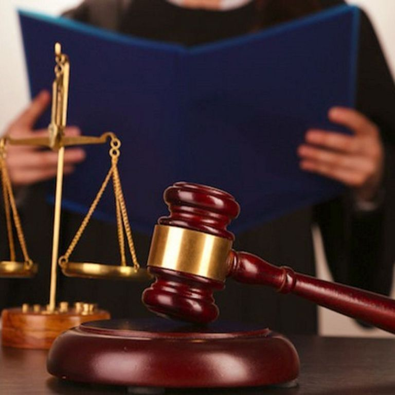 Застав у ліжку з суперником: у Хмельницькій області засудили чоловіка, який розправився з коханцем співмешканки