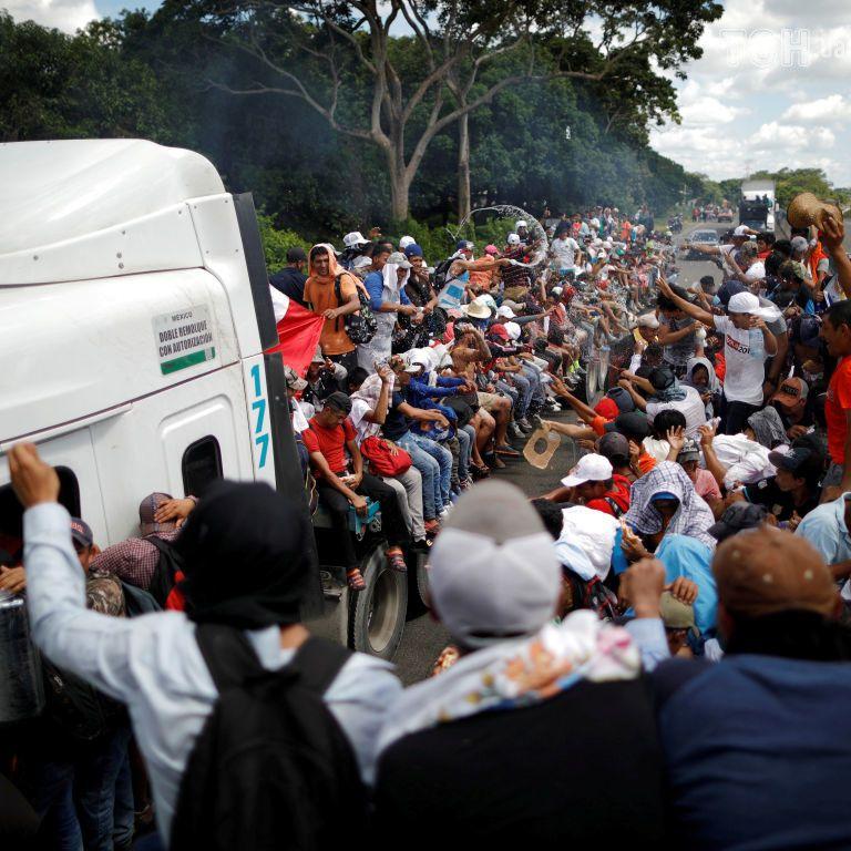У США правозахисники подали в суд на Трампа через указ про мігрантів