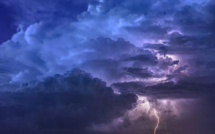 Гроза, град, шквали: в Одеській області оголосили штормове попередження