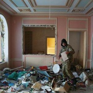 Украинский фотограф показал, на что мародеры превратили имение Пшонки