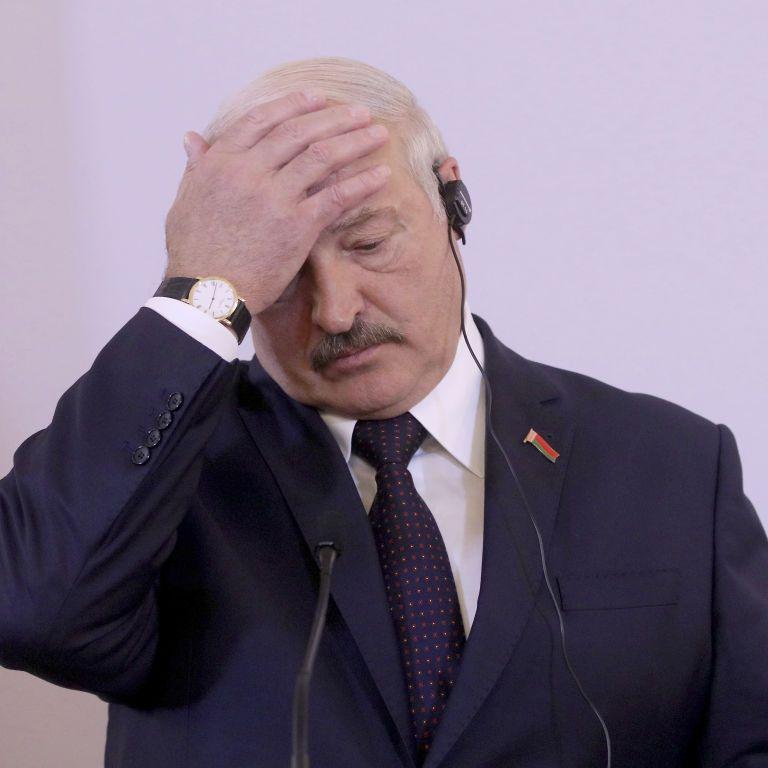 """Лукашенко назвав """"дурістю"""" ізоляцію під час пандемії коронавірусу"""