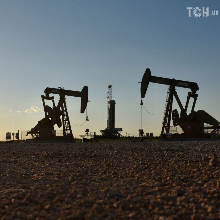 Цены на нефть могут значительно вырасти из-за санкций против Ирана - Reuters