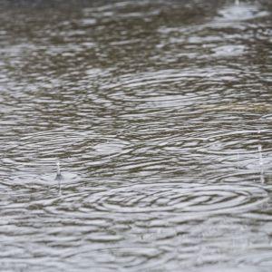 Погода в Украине: большинство регионов 17 июня накроет непогода, но будет тепло