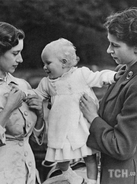 Принцесса Маргарет и принцесса Елизавета с дочерью Елизаветы принцессой Анной / © Getty Images