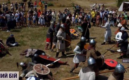 Столиця - в облозі: у столиці відтворили бій між воїнами Київської Русі та печенігами