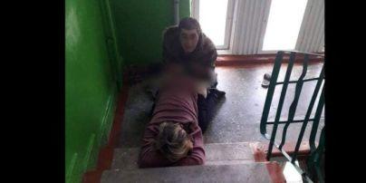Постоянно занимаются сексом в подъезде: соседи устали от оргий в многоэтажке на Волыни (фото 18+)