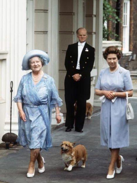 Елизавета II и ее мать Леди Елизавета Боуз-Лайон, 1983 год / © Getty Images