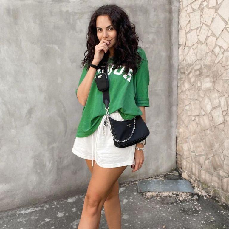 У білих шортах і з сумкою Prada: Настя Каменських похизувалася літнім луком