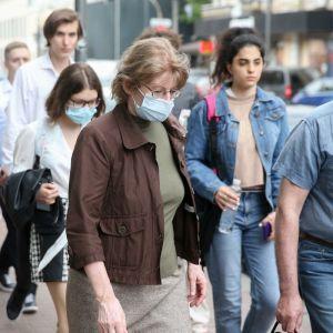 Количество больных коронавирусом в Украине продолжит снижаться — прогноз НАН