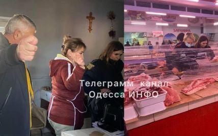 Под Одессой продавец мяса на рынке устроила разборки с коллегой на ножах