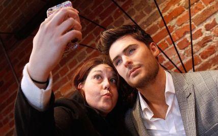 Ни дня без селфи: знаменитости, которые не расстаются со смартфоном