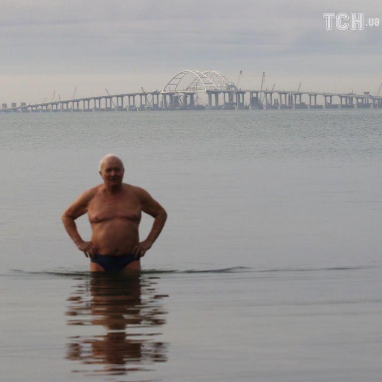 Россияне считают открытие моста в аннексированный Крым главным событием года