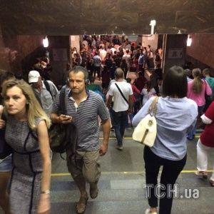 У київському метро на півгодини уповільнився рух