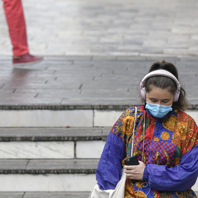 """Мутировавший коронавирус может спровоцировать """"очень плохую"""" волну COVID-19: о чем предупреждают ученые"""