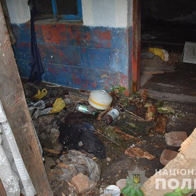 Бил топором: в Тернопольской области мужчина замучил до смерти своего одноклассника (фото)