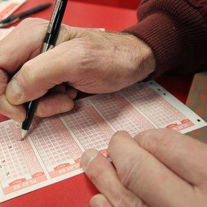 Британец сорвал джекпот в лотерею, потому что перепутал цифры