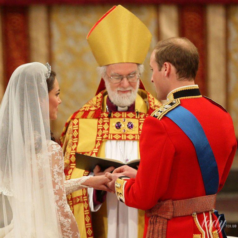 Більше не секрет: чому на пальці Кейт Міддлтон та інших королівських наречених з'являлася особлива обручка