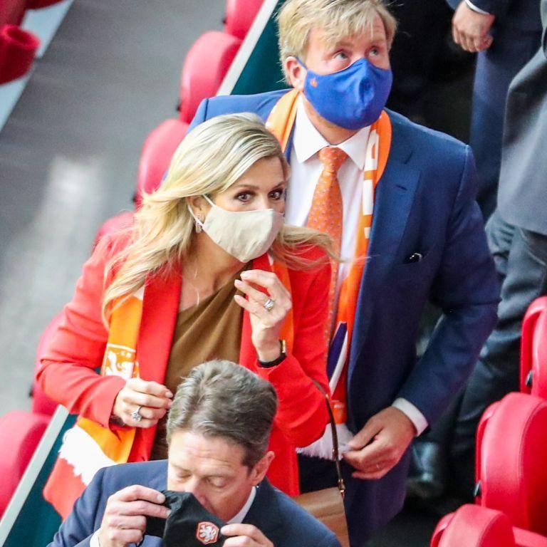 Футбольний матч Нідерланди-Україна: як вболівала за своїх королева Максима