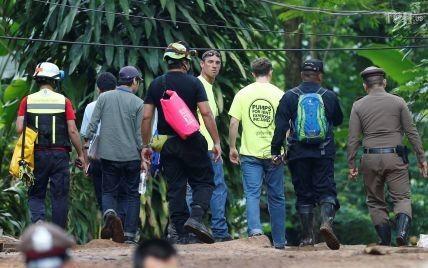 В Таиланде началась последняя фаза операции по освобождению застрявших в пещере детей