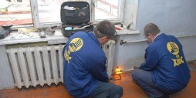 В Харькове нетрезвые коммунальщики пришли на порыв трубы в одной квартире, а затопили еще четыре