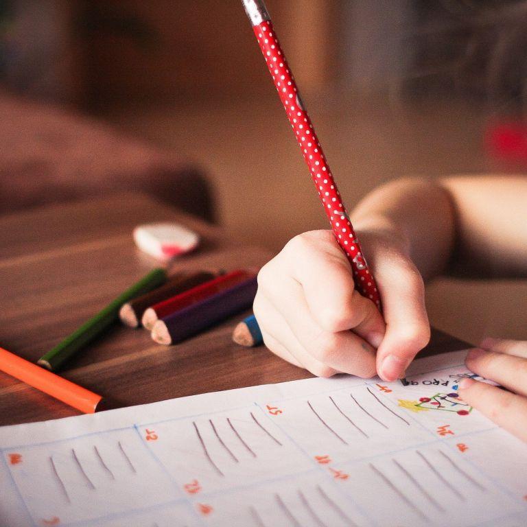 Нові правила в дитсадках після карантину: за столом по двоє і перевірка температури кожні чотири години
