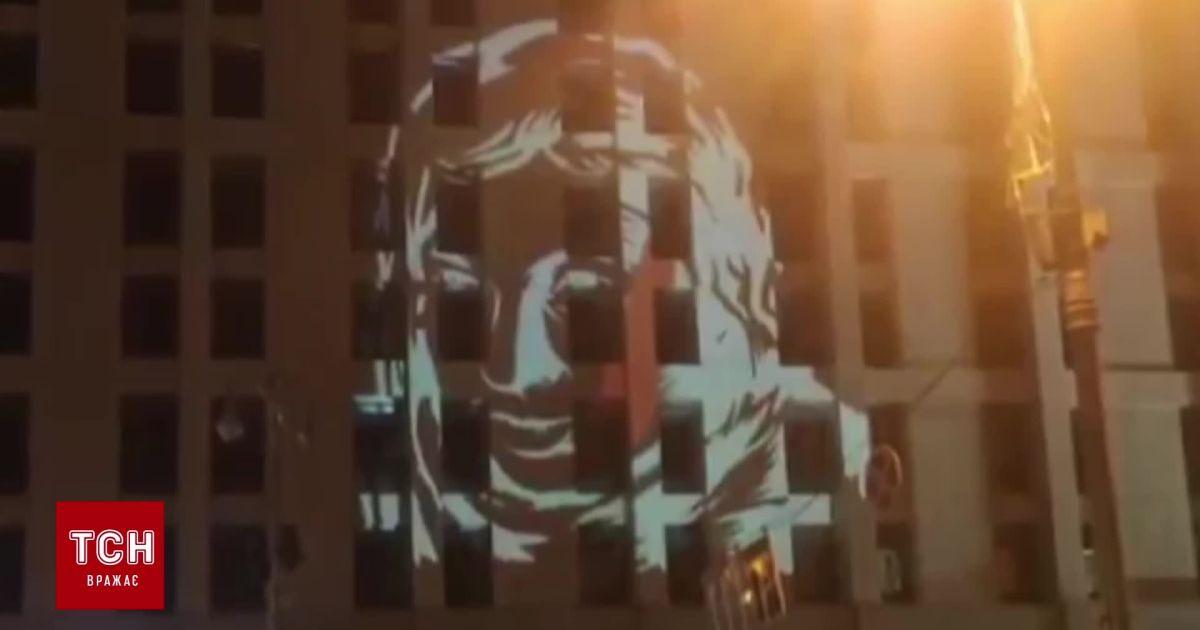 В центре Киева почтили память Екатерины Гандзюк в день ее рождения