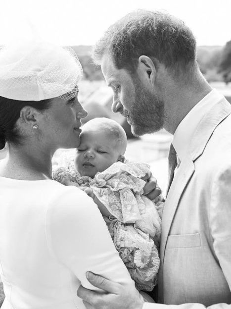 Герцогиня Меган и принц Гарри с сыном Арчи / © Instagram герцога і герцогині Сассекських