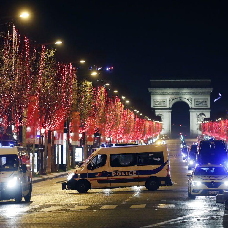 Франція послабила карантин і пускає туристів із України: які правила діють на кордоні