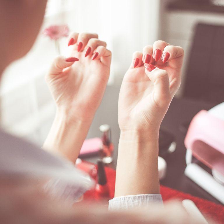 Послаблення карантину у Києві: КМДА уточнила правила роботи для перукарень і салонів краси