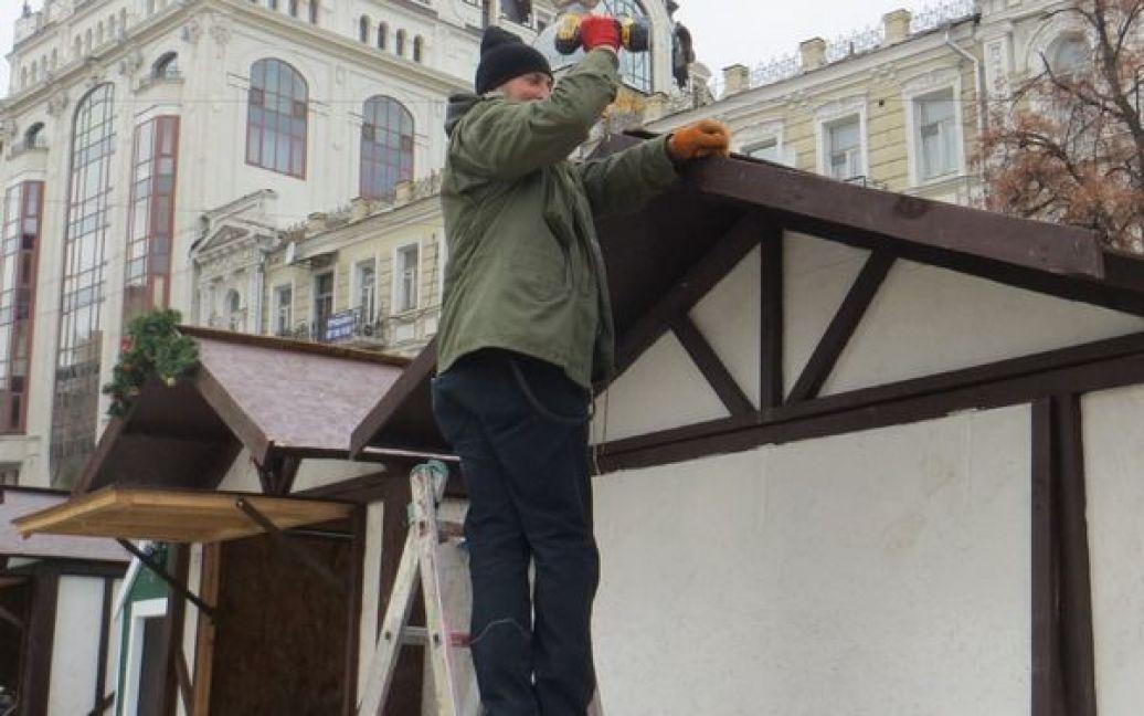 На Софийской площади в Киеве готовятся к новогодне-рождественским праздникам / © Вечерний Киев
