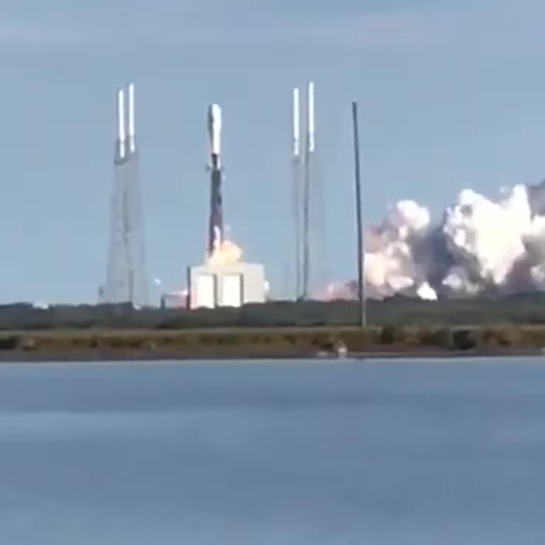 SpaceX запустила на орбіту ракету Falcon 9 зі супутниками