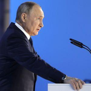 """""""Подлетное время ракет до Москвы уменьшится"""": Путин оценил последствия вступления Украины в НАТО"""