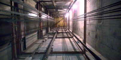 Обрыв лифта с украинцами в Польше и $3 млн за самоубийство школьника. Пять новостей, которые вы могли проспать